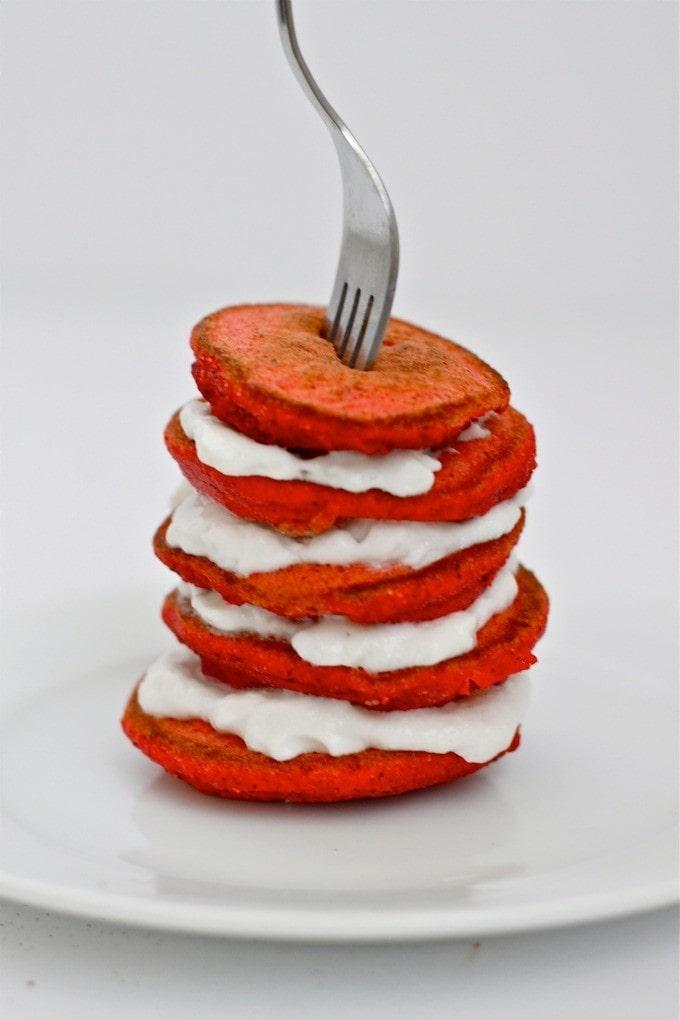red_velvet_pancakes3