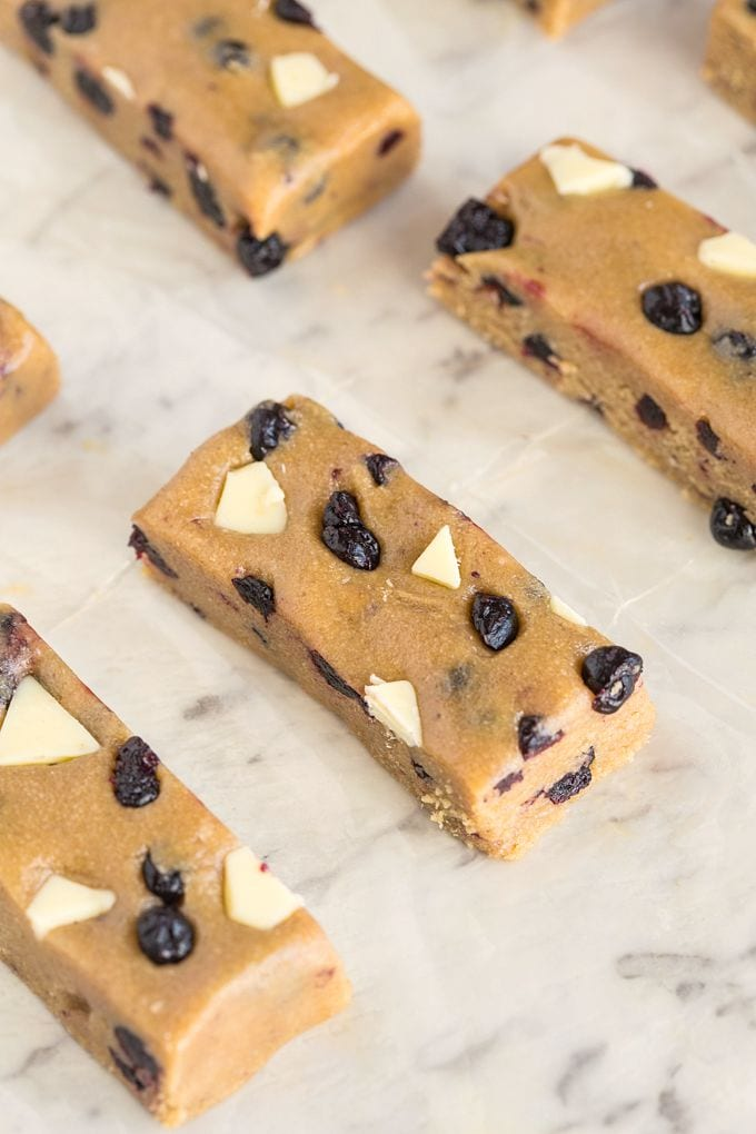 Make these No Bake blueberry white chocolate bars and let's start ...