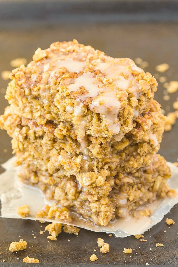 Healthy Sticky Cinnamon Roll Baked Oatmeal