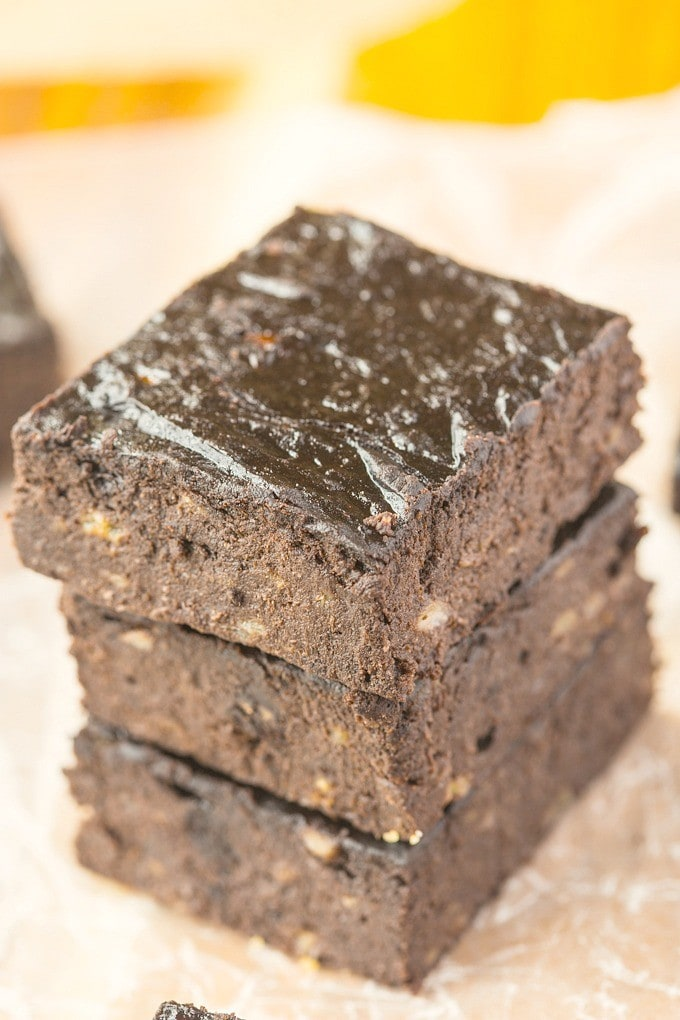 Healthy Three Ingredient Flourless Brownies- No butter, eggs or oil in ...