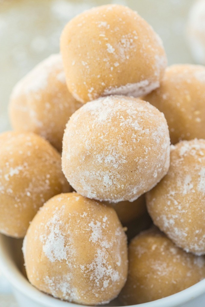 Healthy No Bake Eggnog Bites- soft, doughy bites of perfection- Ready in just 10 minutes! The perfect snack or healthy treat recipe! {vegan, gluten free, paleo}