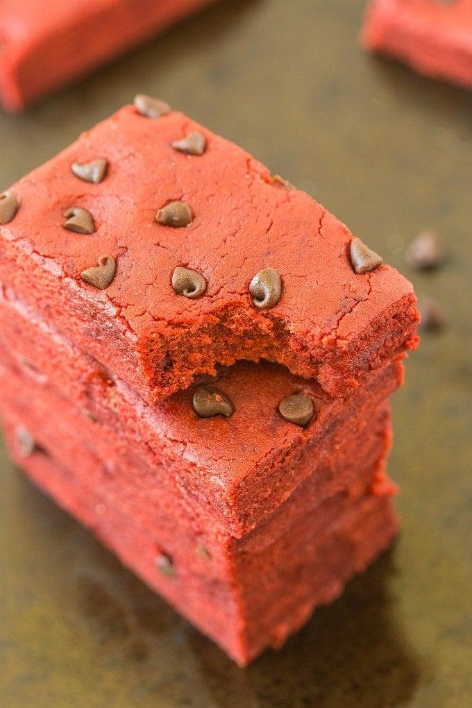Healthy No Bake Red Velvet Protein Bars