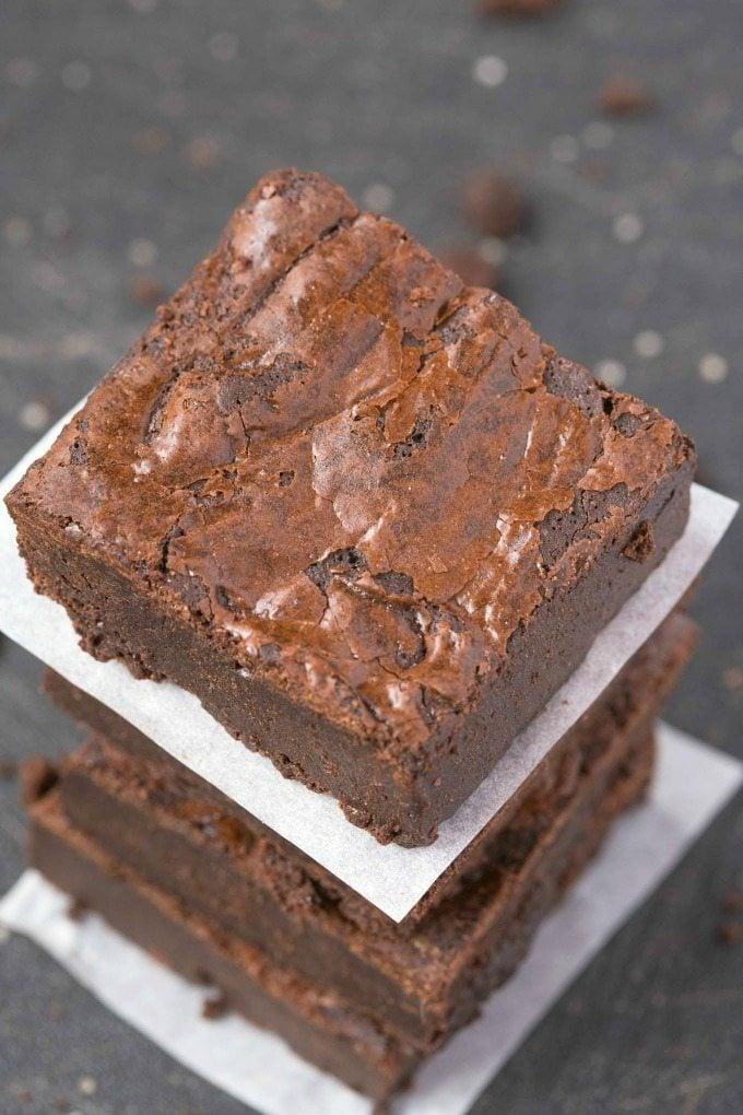 6 Ingredient Flourless Fudge Brownies