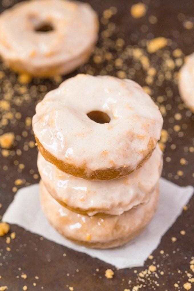 Healthy Flourless Cinnamon Bun Breakfast Doughnuts