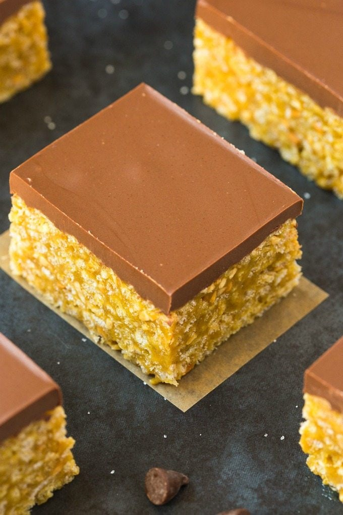 Peanut Butter Cup Protein Rice Krispie Treats (V, GF, DF)- Easy, fuss-free and delicious, this 5-ingredient healthy protein packed childhood snack combines crispy cereal, peanut butter and protein in one! {vegan, gluten free, sugar free recipe}- thebigmansworld.com