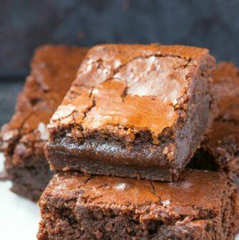 Easy fudgy 3 ingredient Nutella Brownies