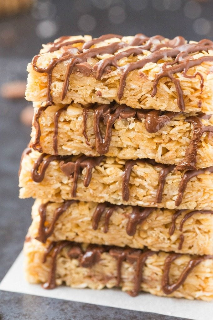 4-Ingredient Easy No Bake Protein Bars (Vegan, Gluten-Free, Sugar Free)- Quick and easy homemade protein bars which take 5 minutes and are less than 100 calories! Thick, chewy and the perfect protein-rich snack to keep you satisfied! #proteinbar #vegan #glutenfree #lowcarb | Recipe on thebigmansworld.com