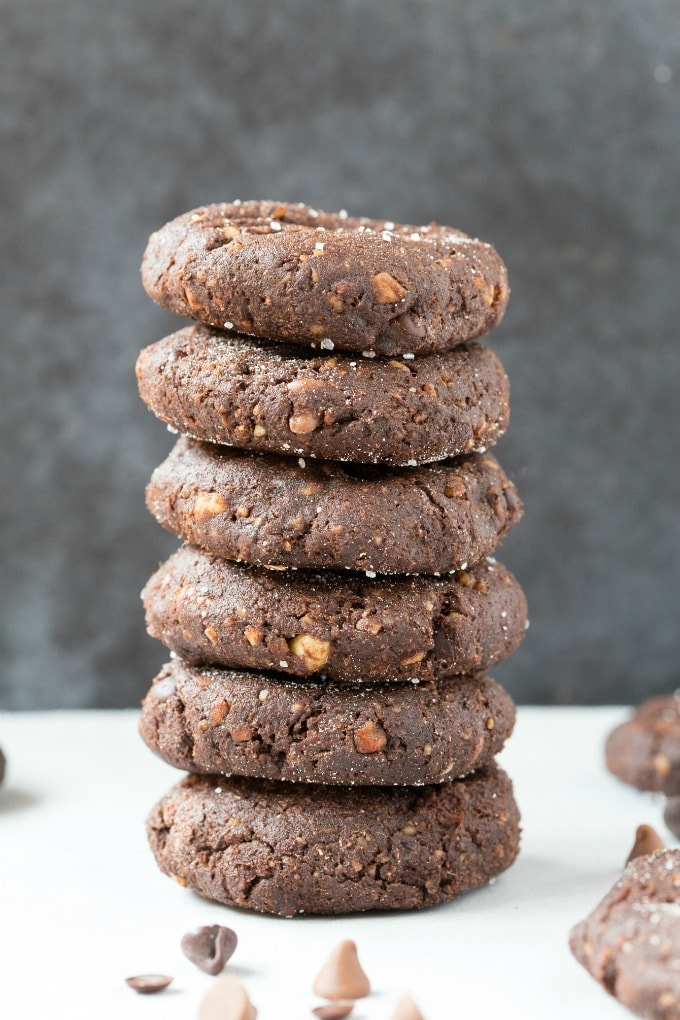 These soft and chewy hot chocolate no bake cookies are the BEST keto and vegan christmas cookie recipe ready in 5 minutes! Quick, easy and the perfect holiday dessert and snack! #christmascookies #ketodessert #lowcarbdessert #vegandessert #ketodiet