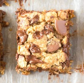 banana oatmeal breakfast bars with chocolate chips