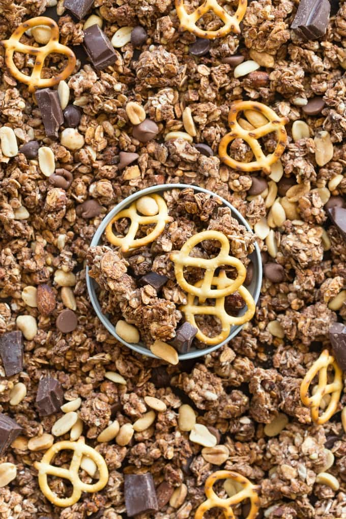 Easy healthy chocolate peanut butter granola recipe
