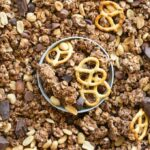 Easy gluten free and vegan chocolate peanut butter granola recipe