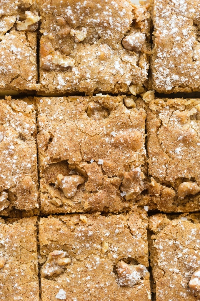 Gingerbread Blondies with white chocolate