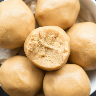 3 ingredient cashew butter fat bombs