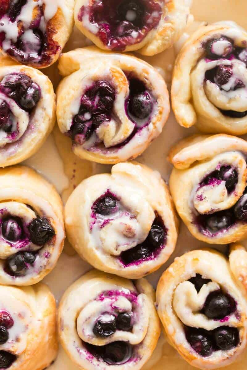 vegan blueberry cinnamon rolls