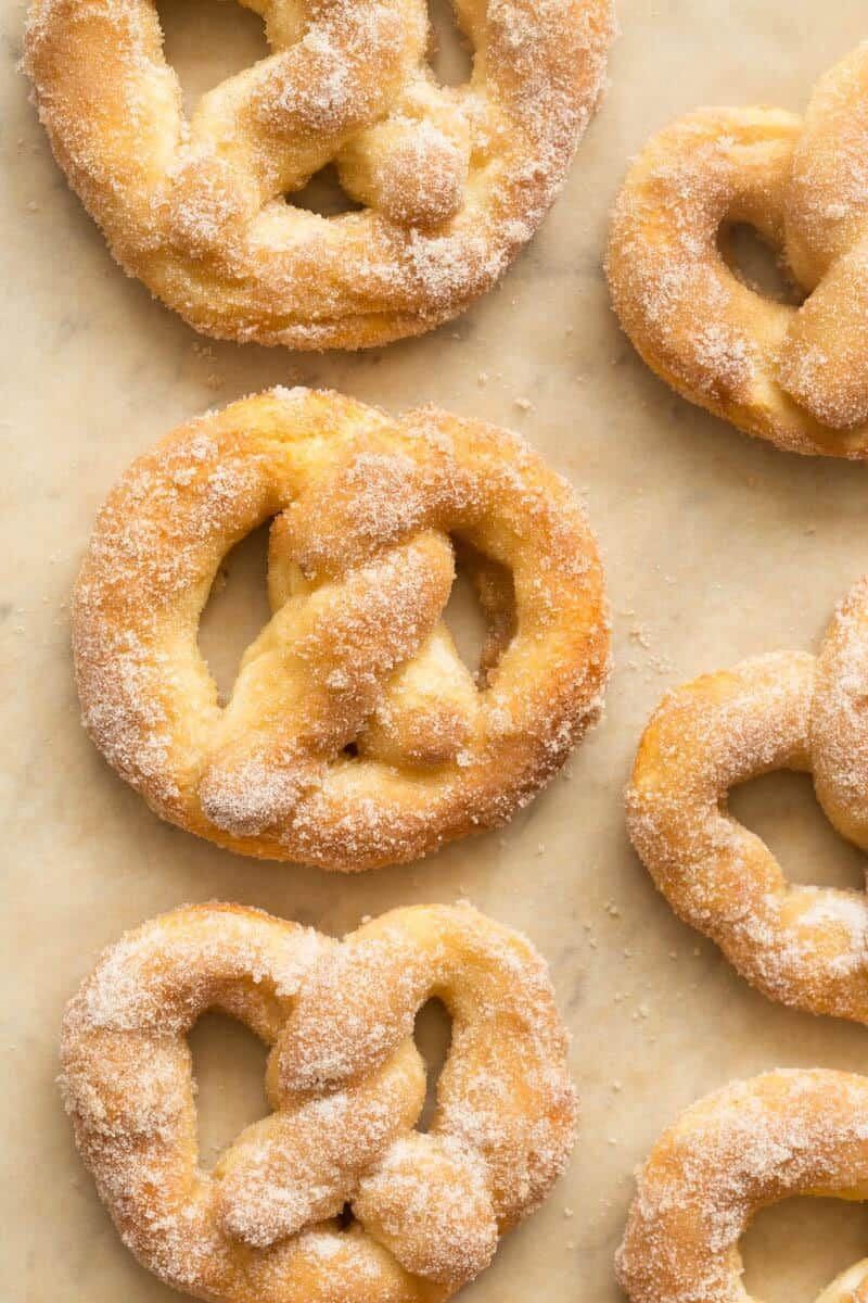 2 ingredient dough cinnamon pretzels
