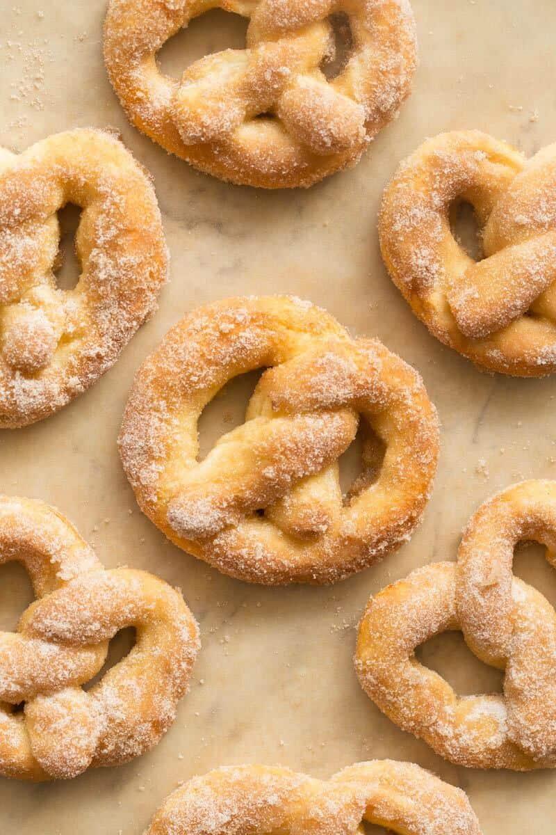 yeastless cinnamon sugar soft pretzels