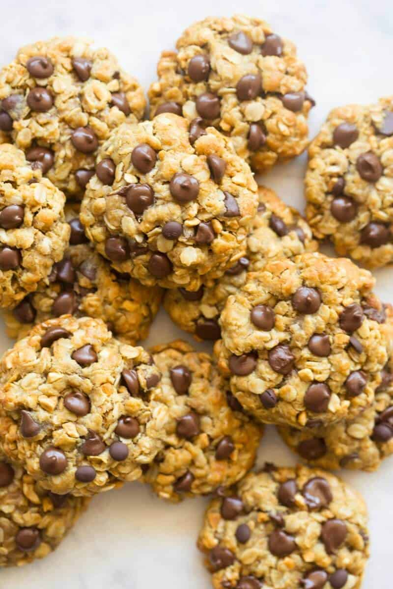 flourless peanut butter oatmeal cookies with chocolate chips