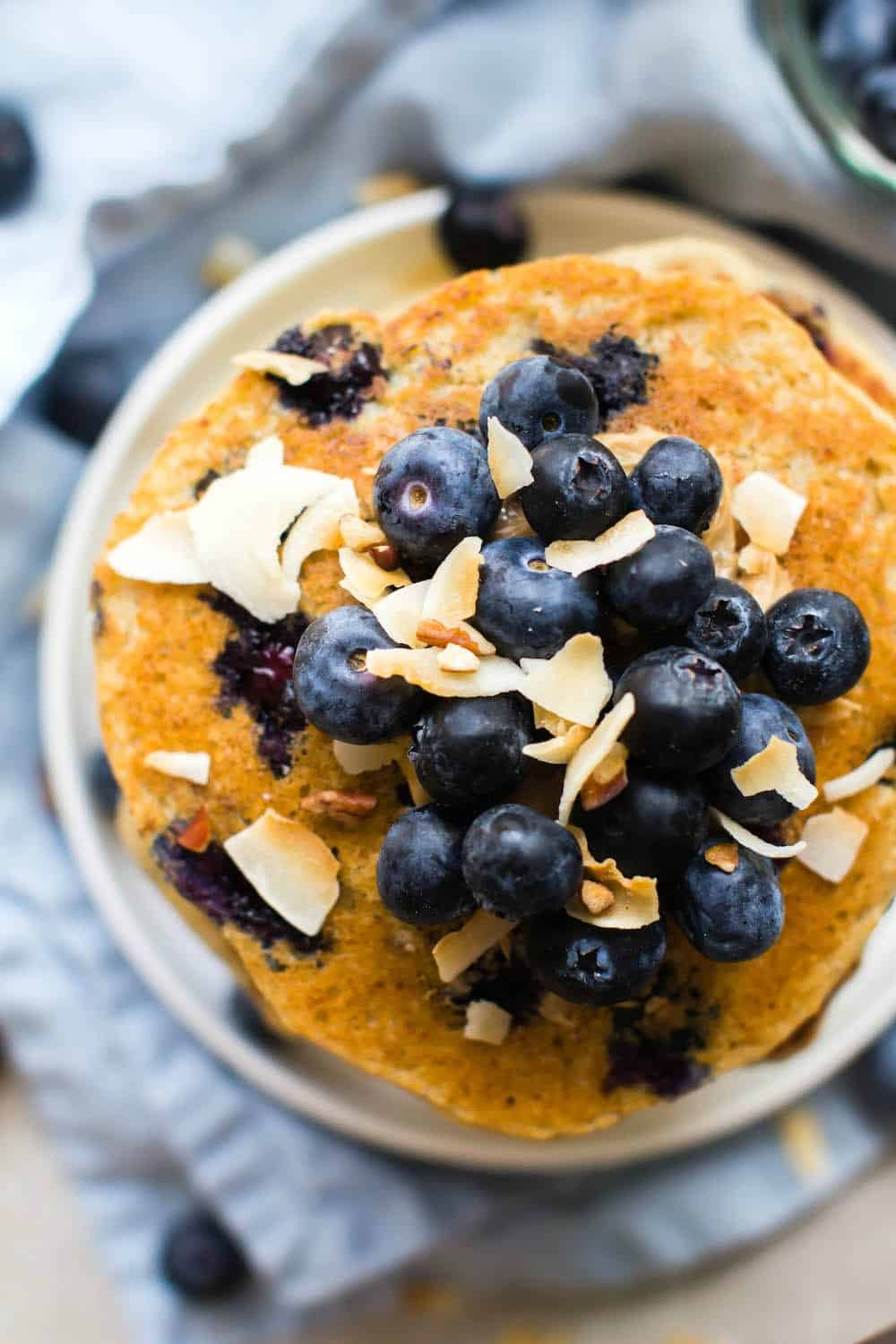 flourless blueberry vegan pancakes