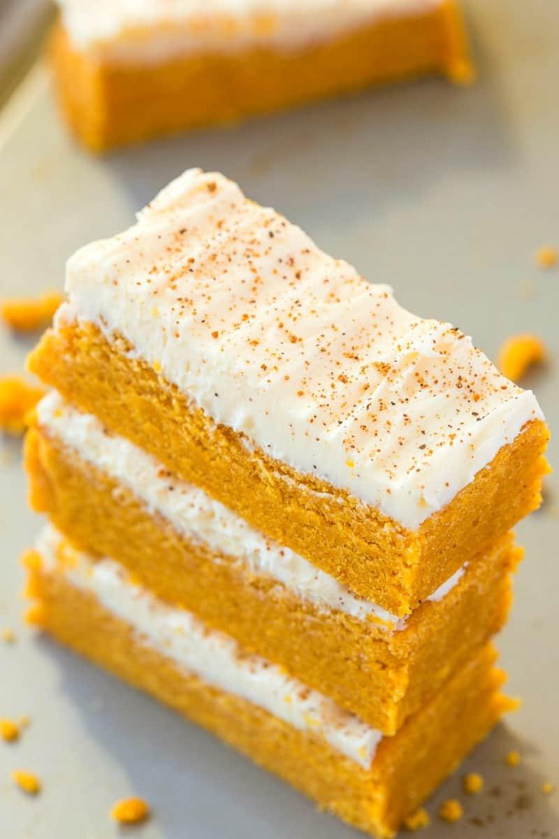 carrot cake protein bars