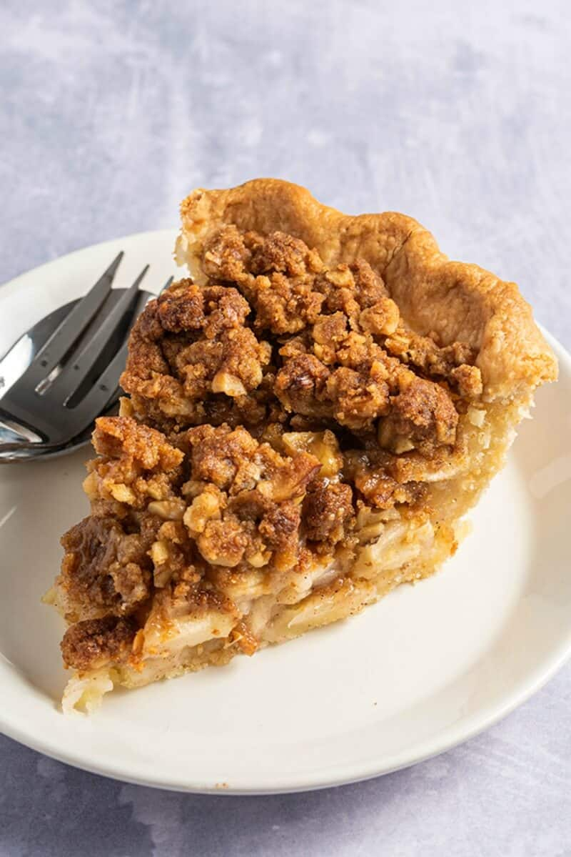 vegan gluten free apple crumble pie