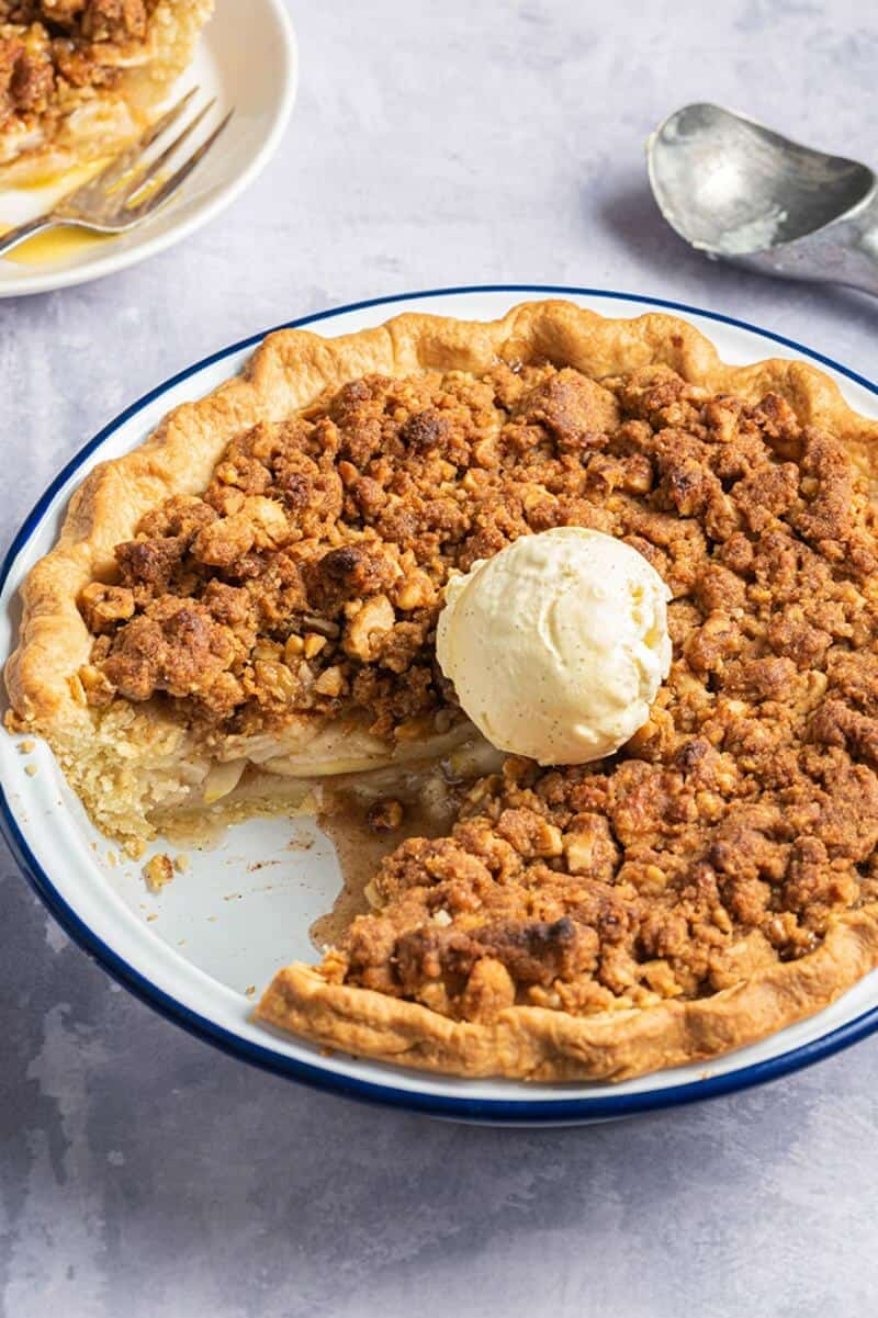 vegan apple crumble pie
