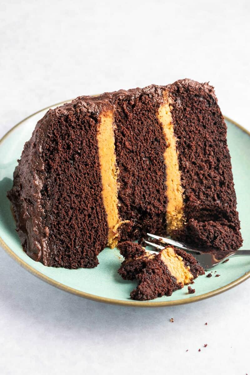 vegan chocolate peanut butter cake