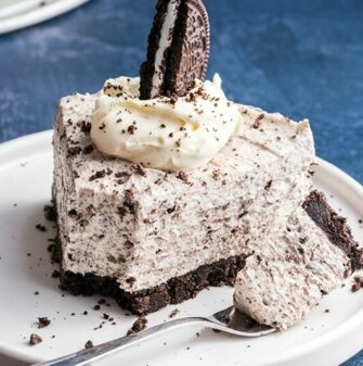 No Bake Cookies and Cream Cheesecake