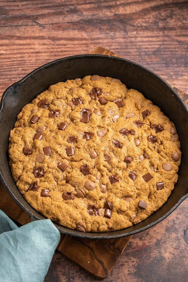 almond flour skillet cookie
