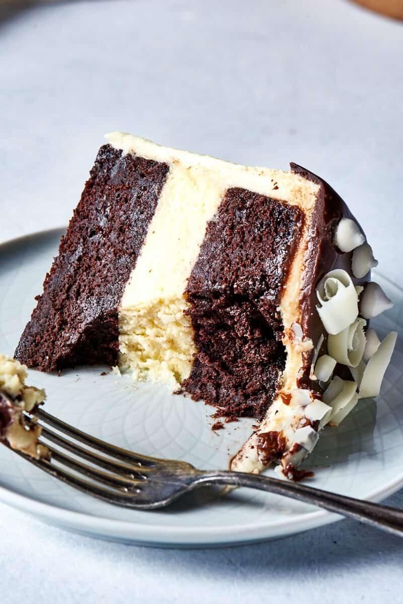 cheesecake chocolate cake