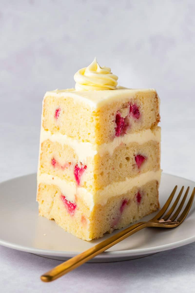 almond flour strawberry cake