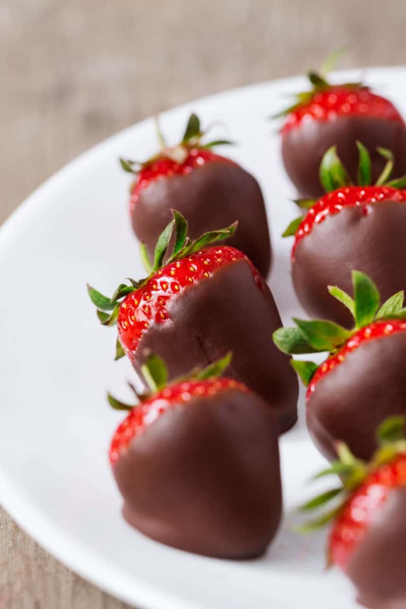 keto chocolate strawberries