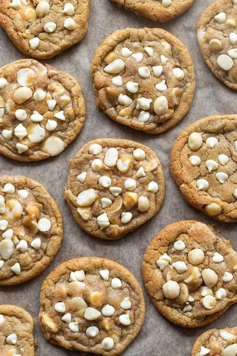 low carb white chocolate macadamia nut cookies